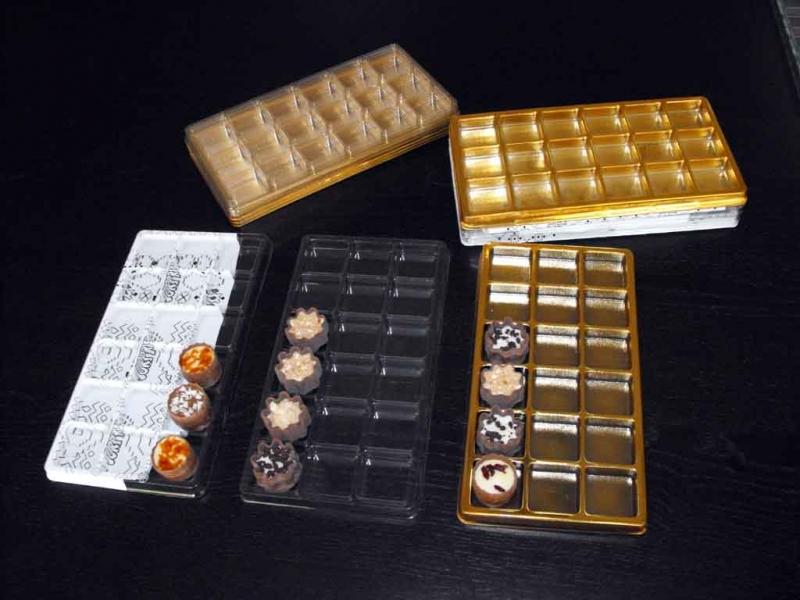 Chese aurii 18 praline  Chese aurii 18 praline chese universale cu 18 alveole pentru bomboane 1471 4